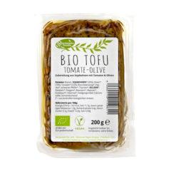 Tofu ecológico con tomate y olivas