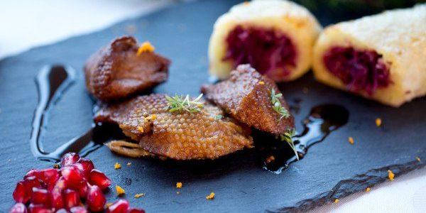 Plato vegano con sustituto del pato